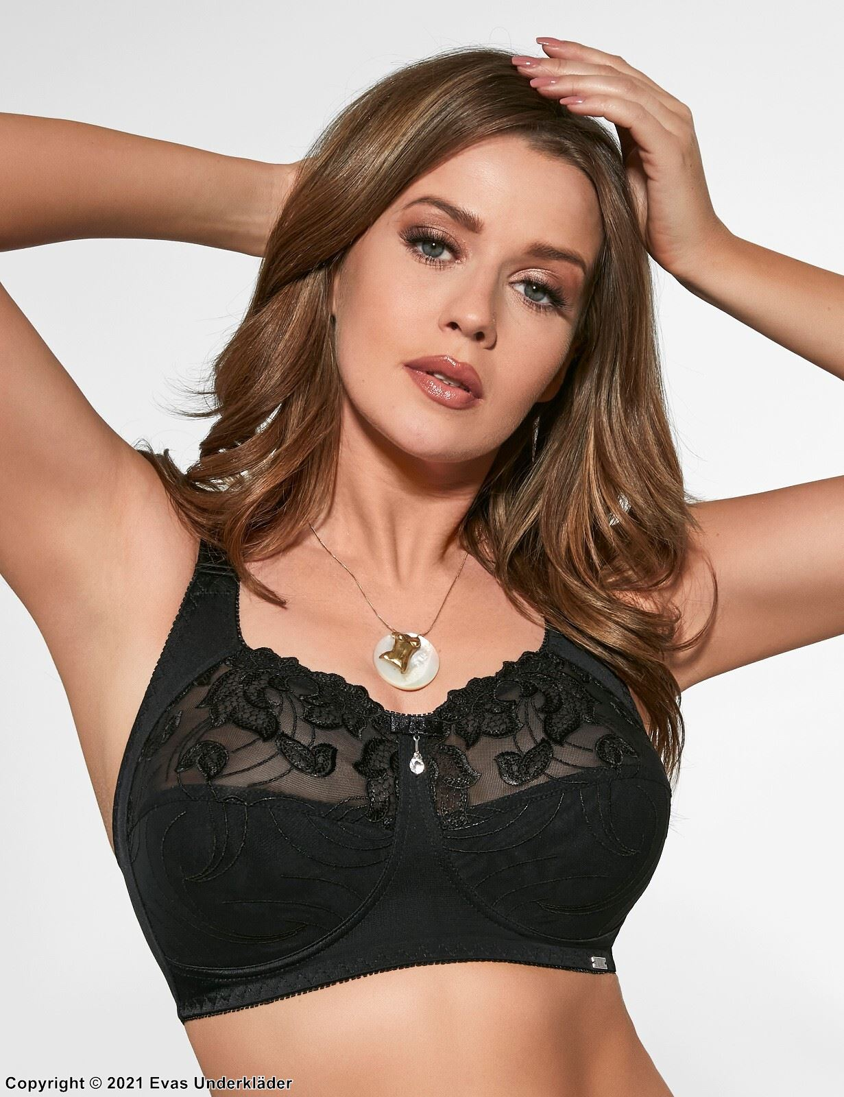 Comfortable full cup bra, mesh, wide shoulder straps, floral lace, B to I-cup